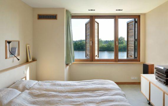 Czy warto spać z otwartym oknem?