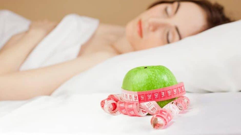 Czy sen ma wpływ na odchudzanie i wagę ciała?